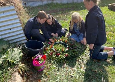 students creating ANZAC wreath